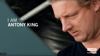 Beyerdynamic incontra Antony King